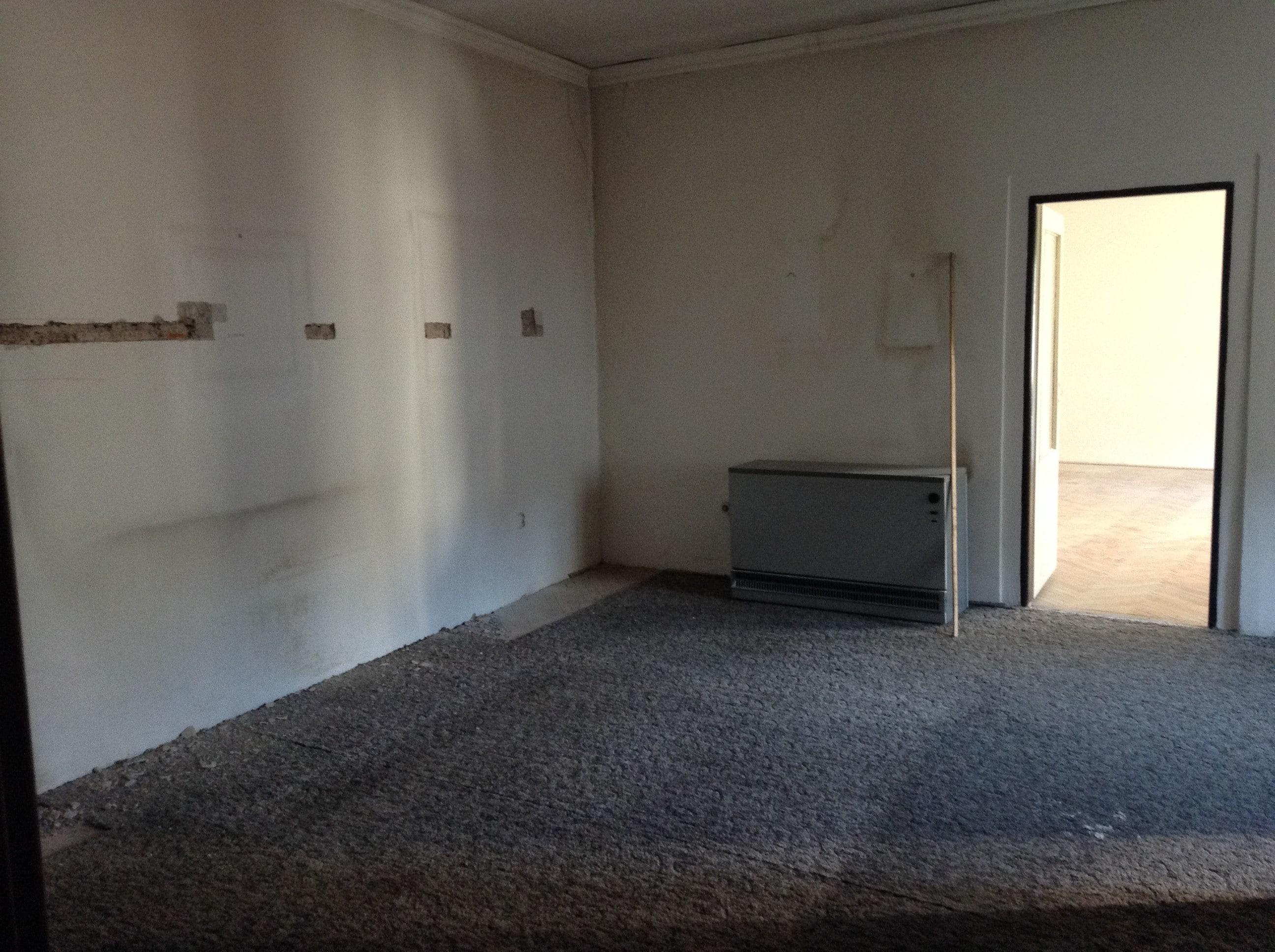 למכירה בפראג 1 בניין 6 קומות במיקום אטרקטיבי במיוחד! (5)