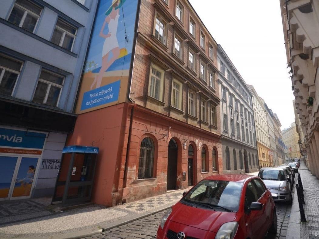 למכירה דירת 2 חדרים ליד בית הכנסת הירושלמי המפואר בפראג 1 (12)