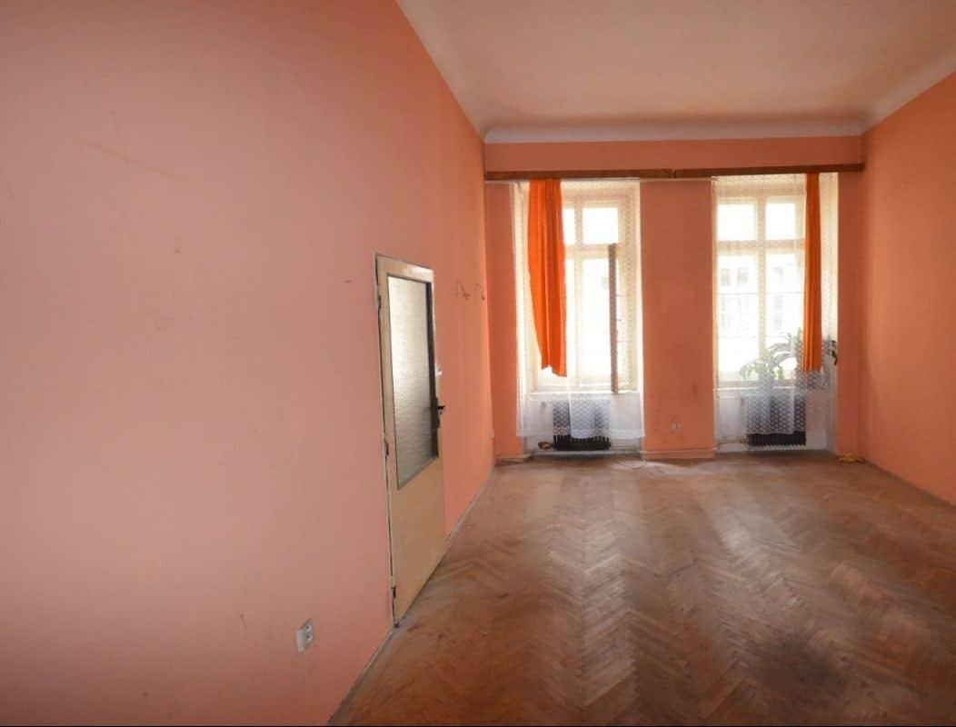 למכירה דירת 2 חדרים ליד בית הכנסת הירושלמי המפואר בפראג 1 (5)