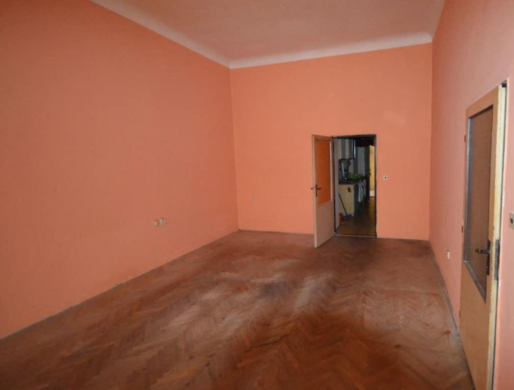 למכירה דירת 2 חדרים ליד בית הכנסת הירושלמי המפואר בפראג 1 (7)