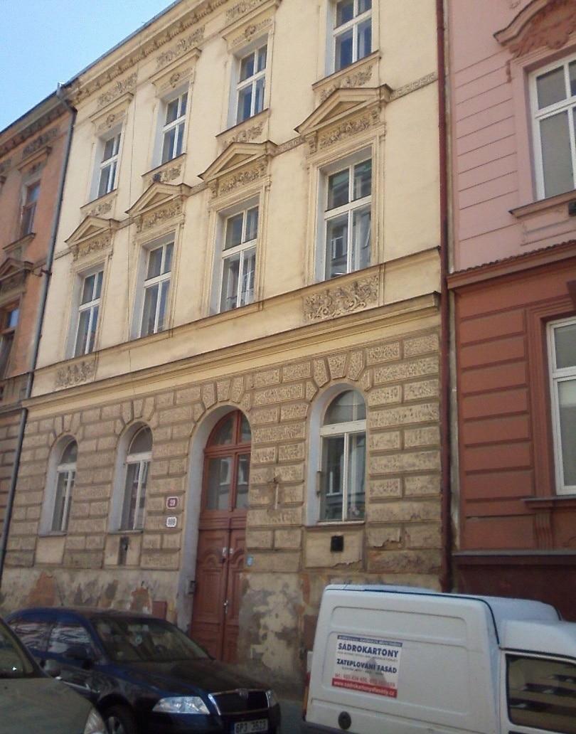 """בניין דירות במרכז העיר פילזן למכירה – 450 מ""""ר"""