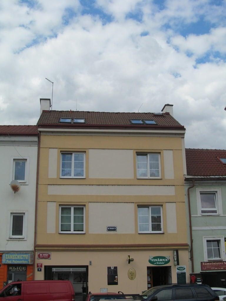 נכס שמור: בהזדמנות! בניין למכירה עם תשואה מעל 7% בפראג 8