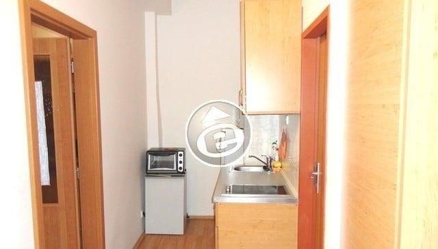 למכירה בפראג 3 שכונת ז'יזקוב דירת 2 חדרים, 30 מר במחיר מצוין! (3)