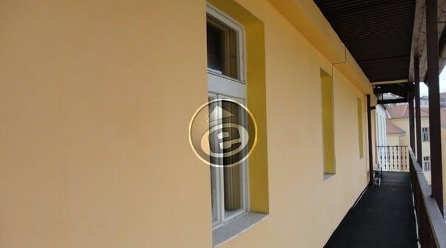 למכירה בפראג 3 שכונת ז'יזקוב דירת 2 חדרים, 30 מר במחיר מצוין! (4)