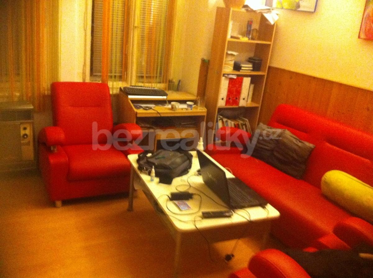 למכירה דירת 2 חדרים להשקעה בפראג 10 (5)