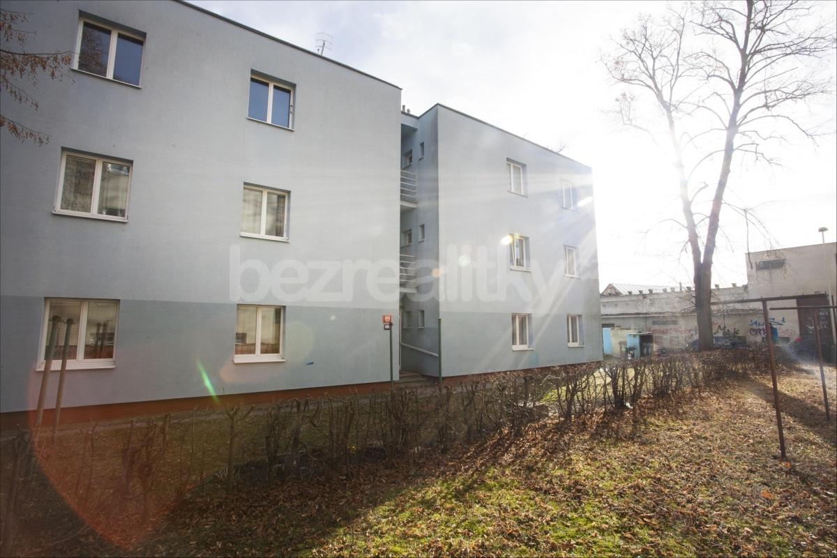 למכירה דירת 2 חדרים לפני שיפוץ בפראג 6 היוקרתית (11)
