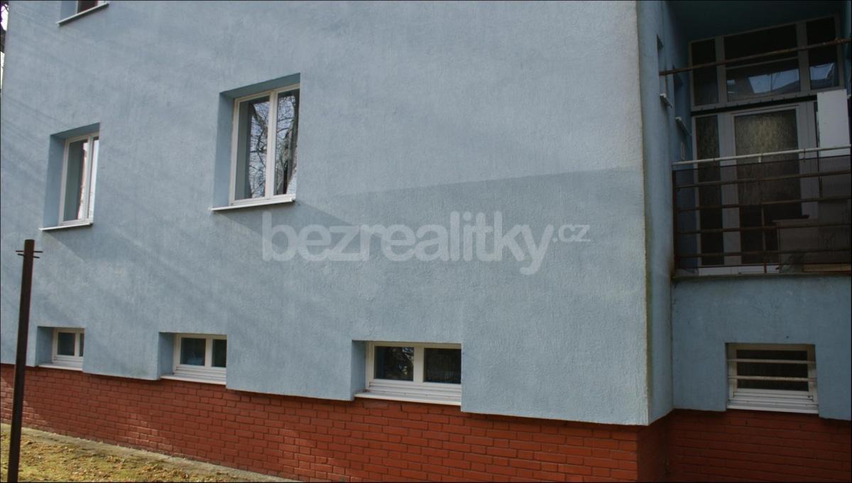 למכירה דירת 2 חדרים לפני שיפוץ בפראג 6 היוקרתית (14)