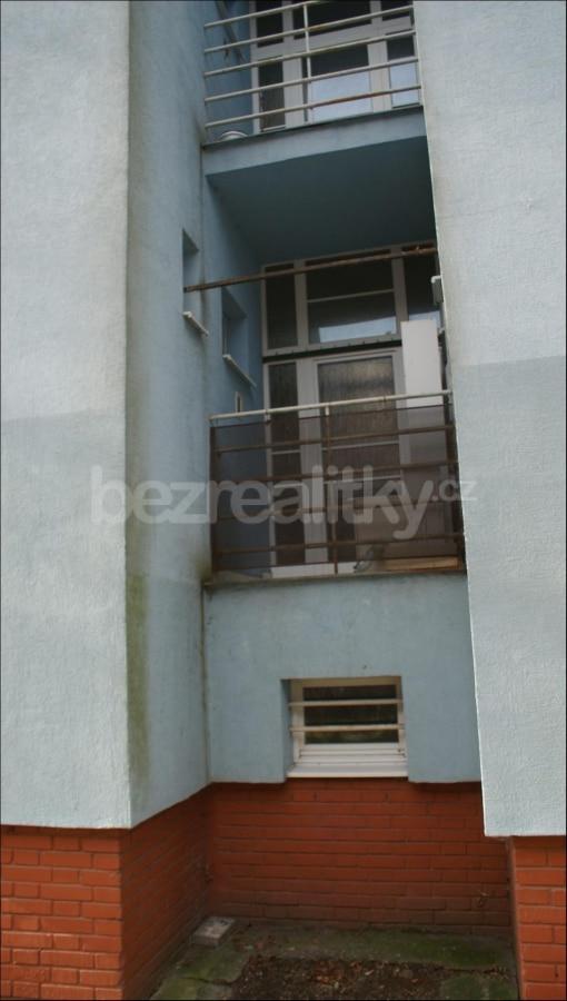למכירה דירת 2 חדרים לפני שיפוץ בפראג 6 היוקרתית (15)