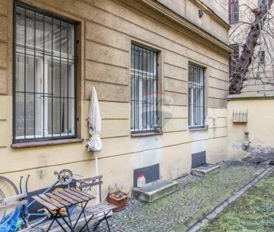 למכירה דירת 3 חדרים 59 מר בפראג 1, העיר החדשה (1)