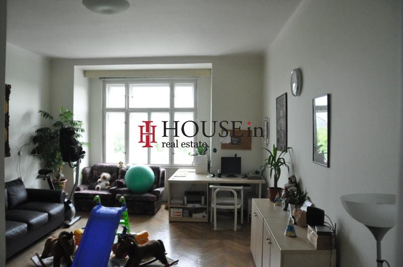 למכירה דירת 6 חדרים בפראג 7 משופצת צמוד לפארק Bubenska (1)