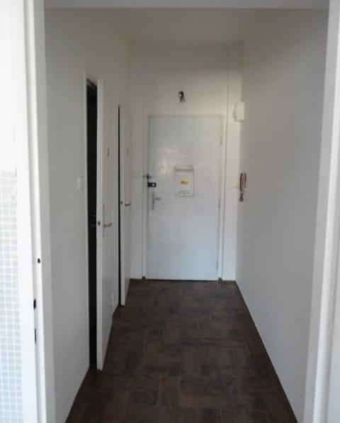 למכירה דירת חדר על 28 מר בפראג שכונת נוסלה (2)
