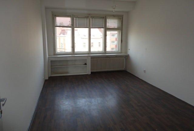 למכירה דירת חדר על 28 מר בפראג שכונת נוסלה (3)