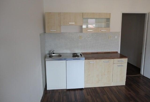 למכירה דירת חדר על 28 מר בפראג שכונת נוסלה (5)
