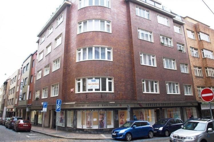 למכירה דירת חדר על 31 מר במרכז העיר פראג, העיר החדשה (7)