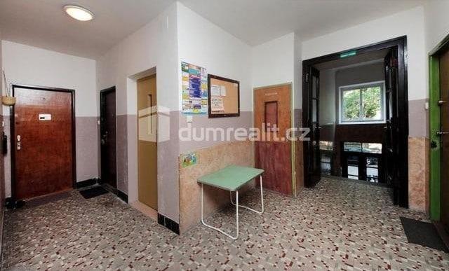 למכירה דירת 2 חדרים להשקעה, 45 מר בפראג 5 שכונת סמיכוב (10)