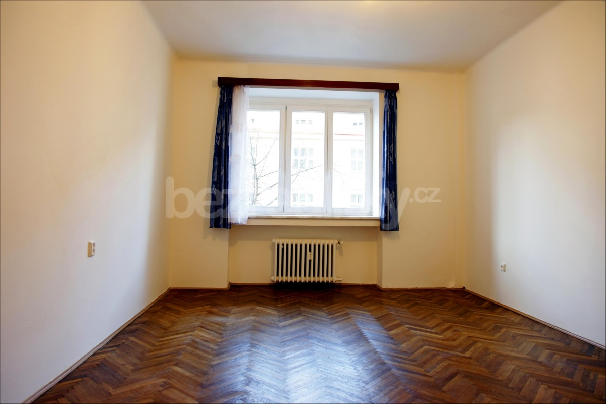 למכירה דירת 2 חדרים מתאימה להשקעה בשכונת זי'זקוב פראג 3 (1)