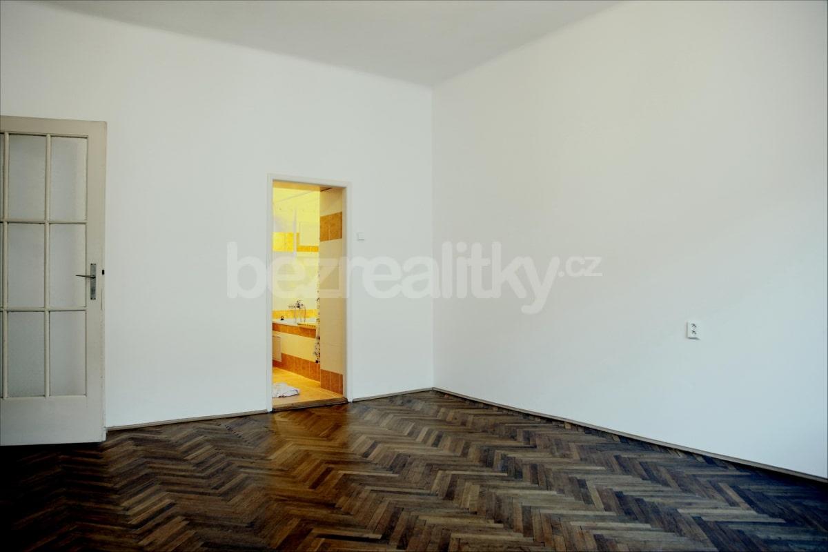 למכירה דירת 2 חדרים מתאימה להשקעה בשכונת זי'זקוב פראג 3 (14)