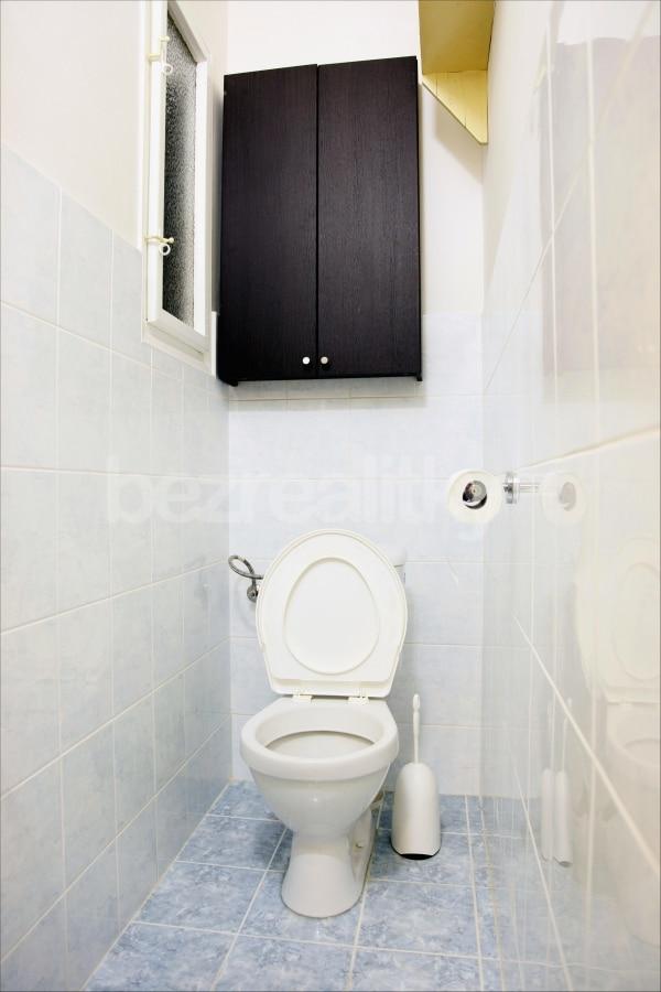 למכירה דירת 2 חדרים מתאימה להשקעה בשכונת זי'זקוב פראג 3 (3)