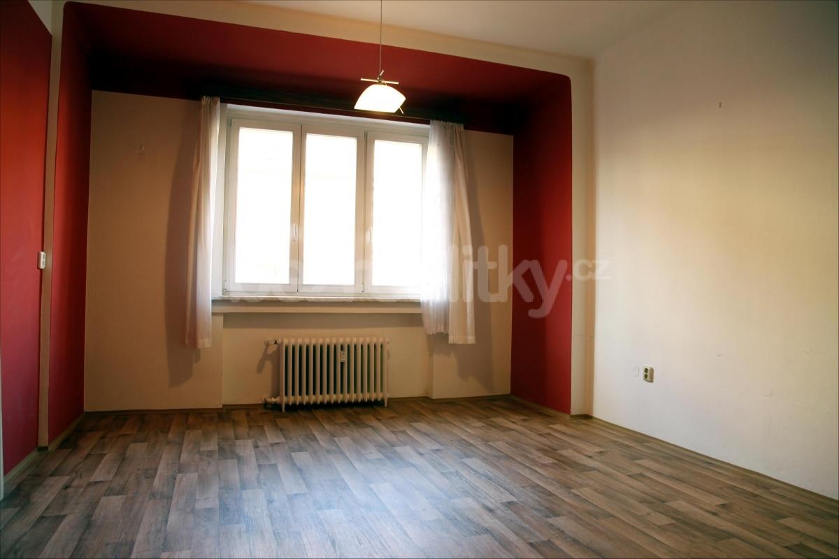 למכירה דירת 2 חדרים מתאימה להשקעה בשכונת זי'זקוב פראג 3 (4)