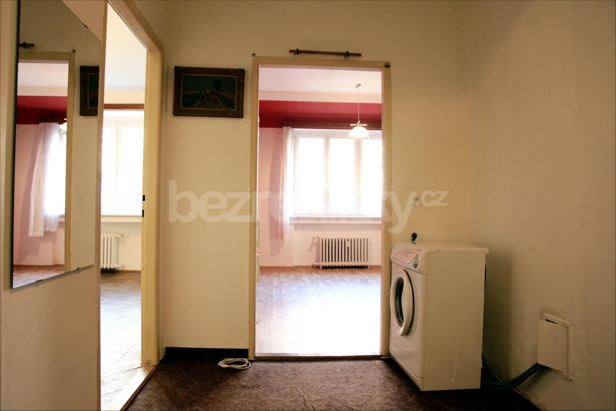 למכירה דירת 2 חדרים מתאימה להשקעה בשכונת זי'זקוב פראג 3 (5)