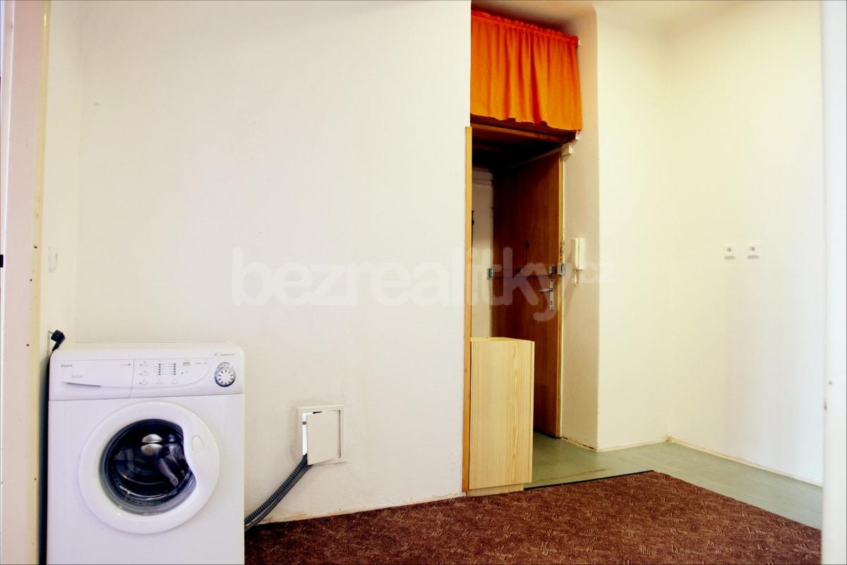 למכירה דירת 2 חדרים מתאימה להשקעה בשכונת זי'זקוב פראג 3 (6)