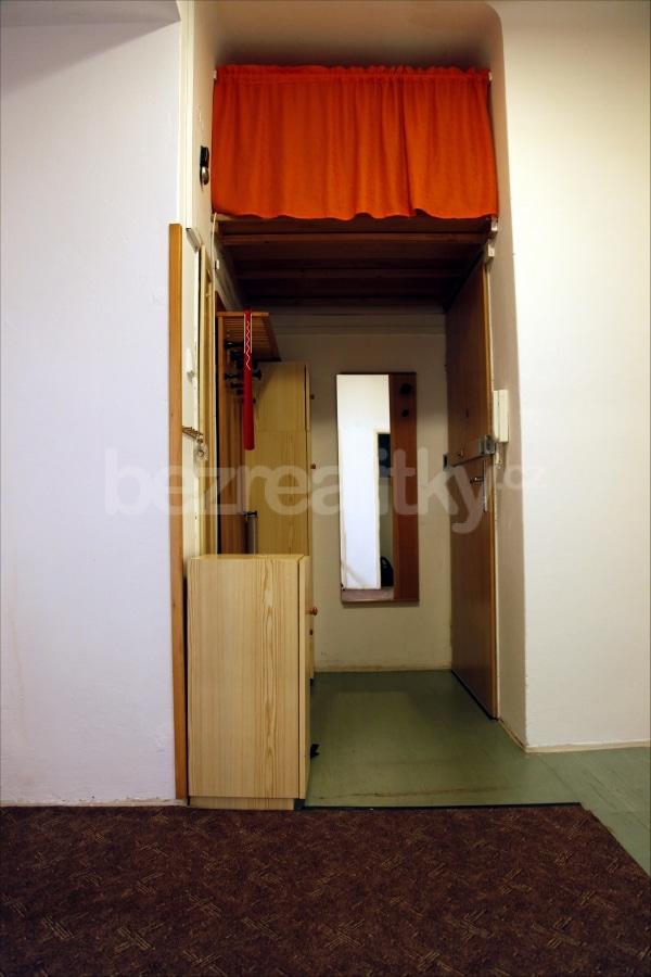 למכירה דירת 2 חדרים מתאימה להשקעה בשכונת זי'זקוב פראג 3 (7)