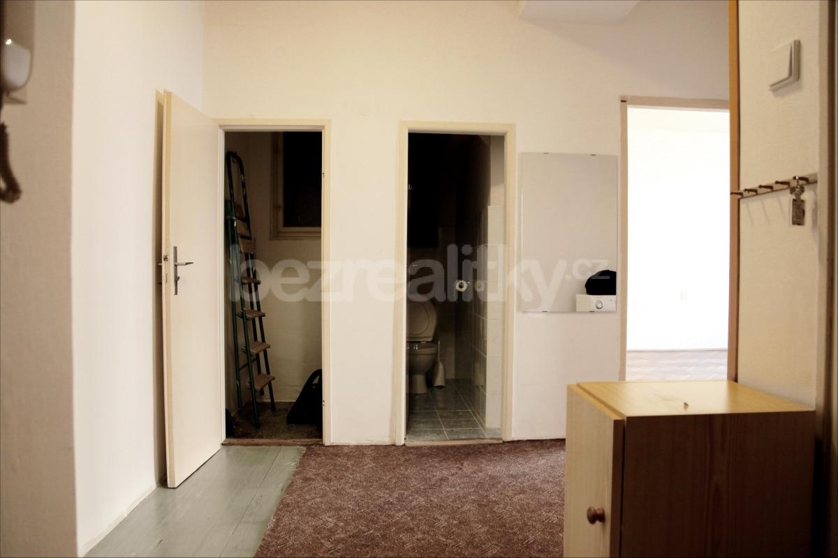 למכירה דירת 2 חדרים מתאימה להשקעה בשכונת זי'זקוב פראג 3 (9)
