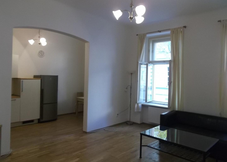 למכירה דירת 2+1 על 67 מר בשכונת קרלין, פראג 8 צמוד לפראג 1 (3)