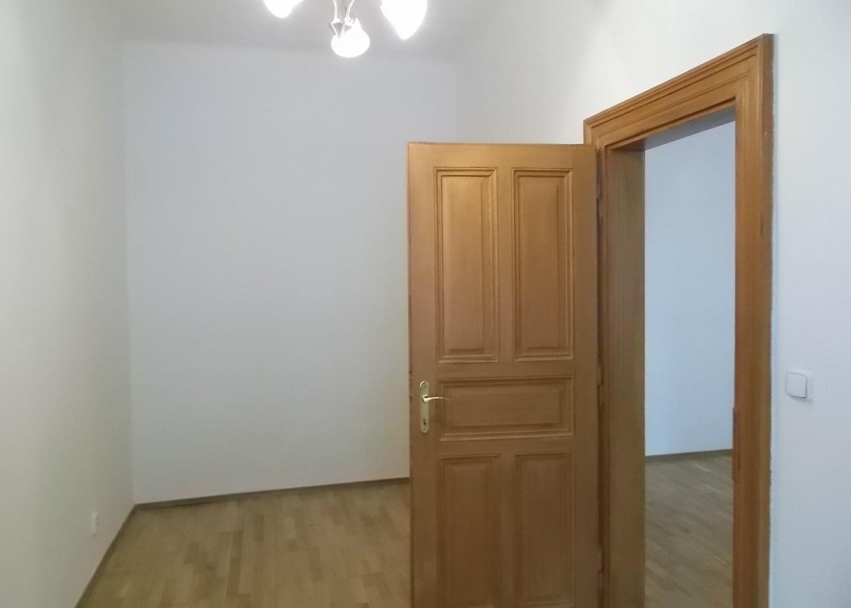 למכירה דירת 2+1 על 67 מר בשכונת קרלין, פראג 8 צמוד לפראג 1 (6)