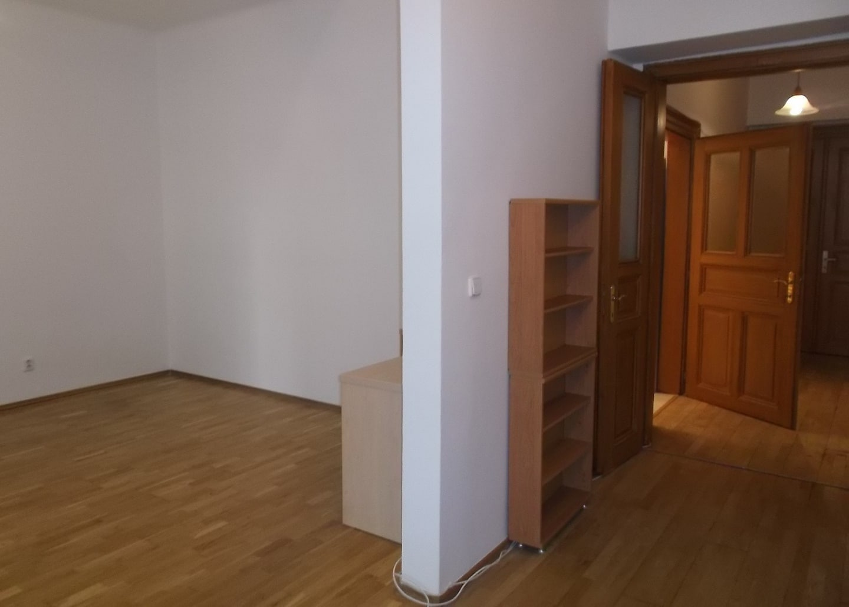 למכירה דירת 2+1 על 67 מר בשכונת קרלין, פראג 8 צמוד לפראג 1 (7)