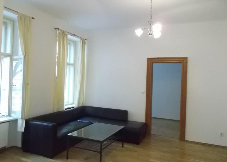 למכירה דירת 2+1 על 67 מר בשכונת קרלין, פראג 8 צמוד לפראג 1 (9)
