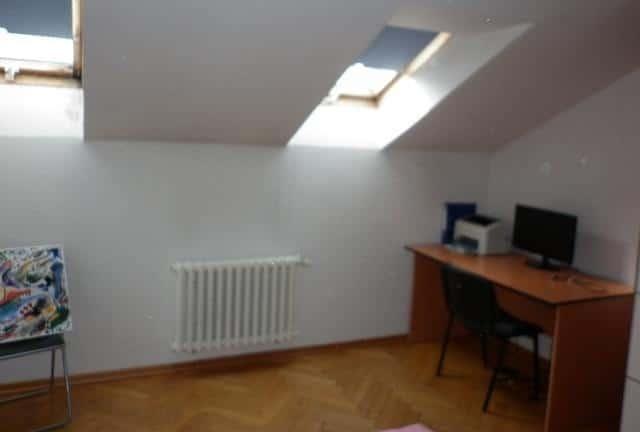 למכירה דירת 3+kk דו קומתית בפראג 2 על שטח של 83 מר (10)