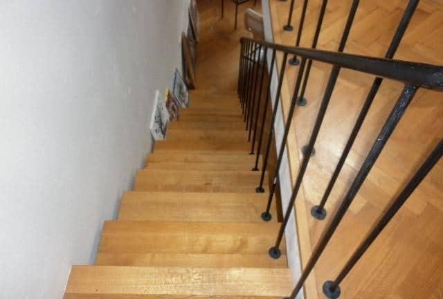 למכירה דירת 3+kk דו קומתית בפראג 2 על שטח של 83 מר (2)