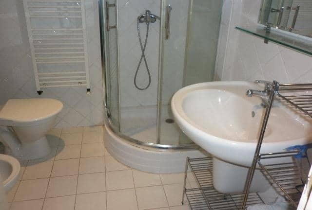 למכירה דירת 3+kk דו קומתית בפראג 2 על שטח של 83 מר (4)