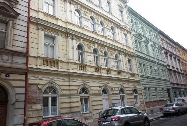 למכירה דירת 3+kk דו קומתית בפראג 2 על שטח של 83 מר (5)