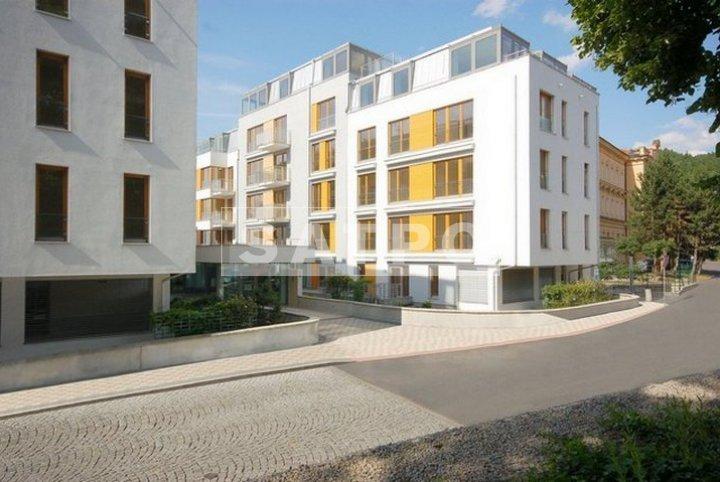 """פרוייקט דירות יוקרה למכירה """"נופי המלך"""" בקרלובי וארי"""