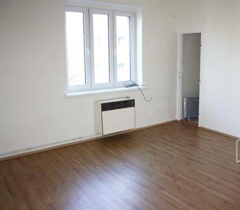 דירת חדר להשקעה בשכונת נוסלה בפראג 4, 33 מר (5)