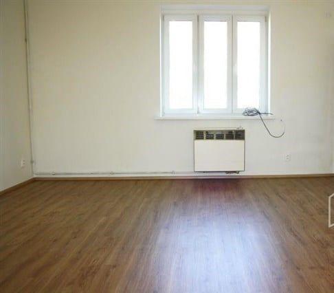 דירת חדר להשקעה בשכונת נוסלה בפראג 4, 33 מר (6)