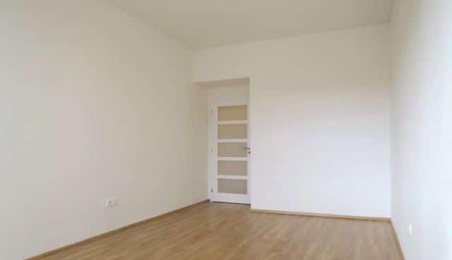 למכירה דירה להשקעה, 2+kk על 55 מר בפראג 4 (3)