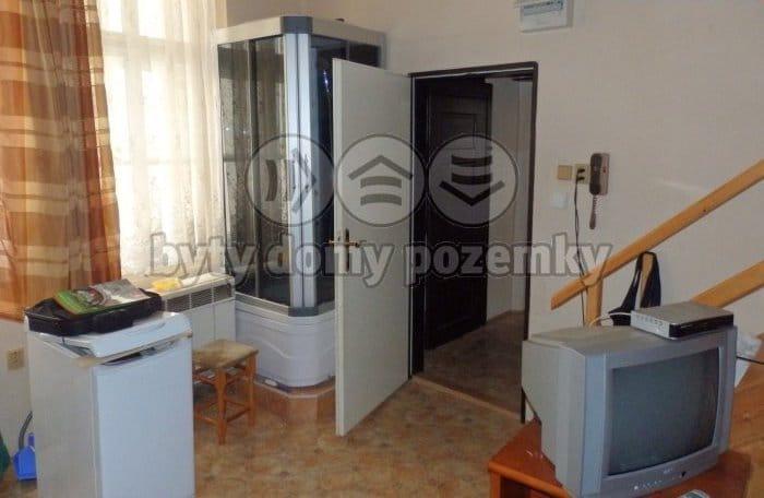 למכירה דירת 2 חדרים להשקעה במרכז פראג 1 (3)