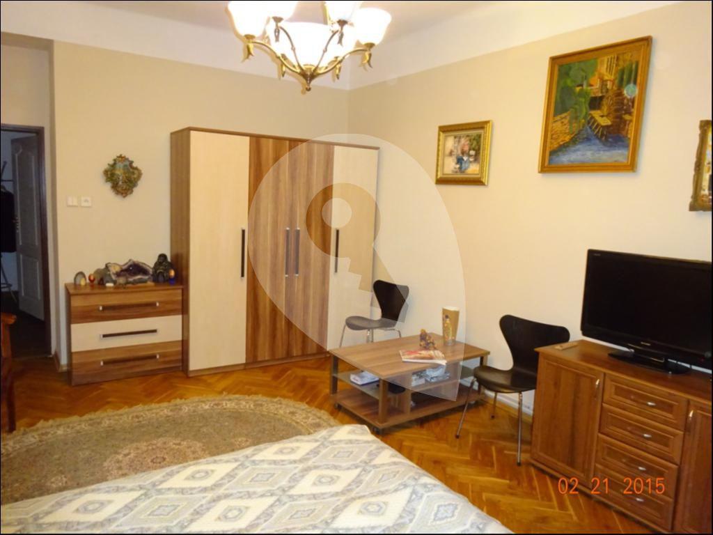 למכירה בפראג 2 דירת 77 מר 3+1 (2)
