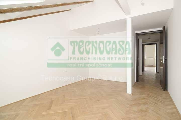 למכירה דירת דופלקס 85 מר בפראג 2-  3ּּּּ חדרים+KKּ (13)
