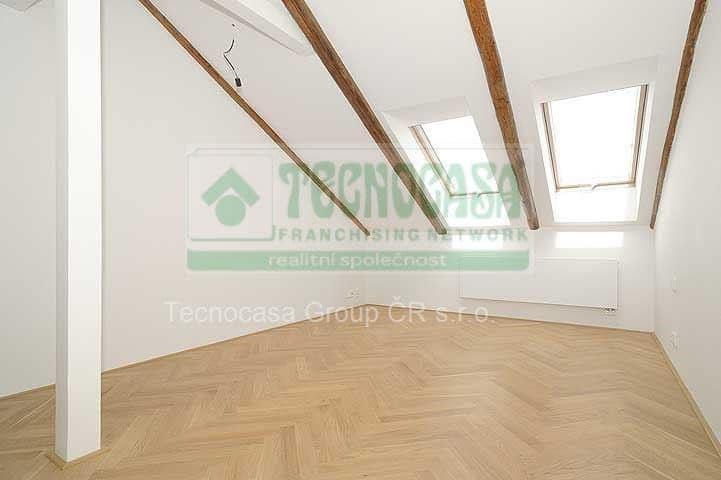 למכירה דירת דופלקס 85 מר בפראג 2-  3ּּּּ חדרים+KKּ (14)