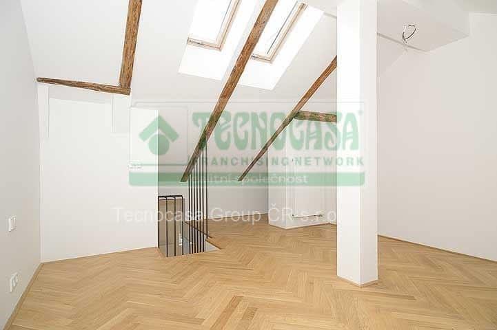 למכירה דירת דופלקס 85 מר בפראג 2-  3ּּּּ חדרים+KKּ (9)
