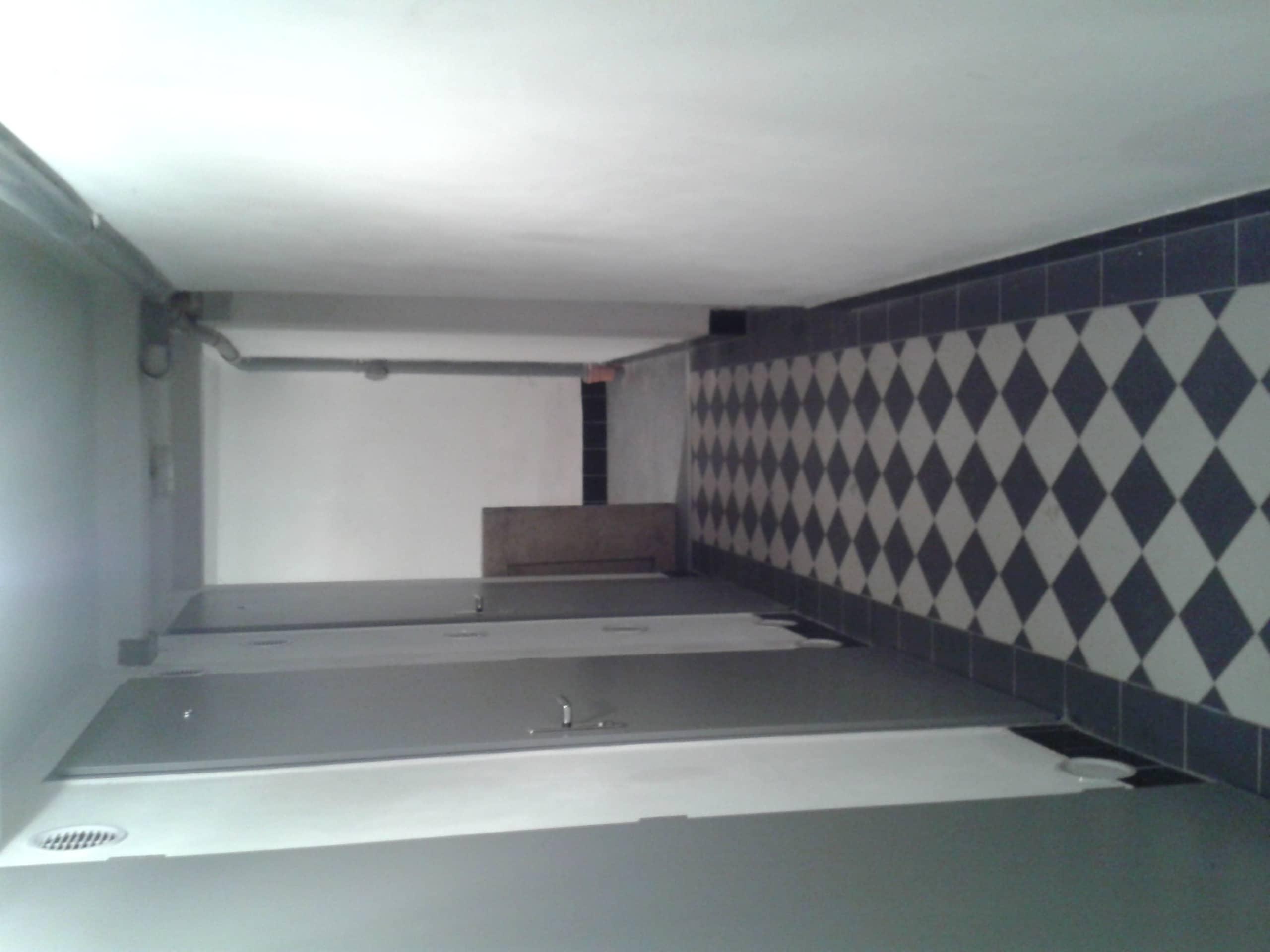 למכירה דירת 2 חדרים בשכונת ז'יז'קוב בפראג11 (2)