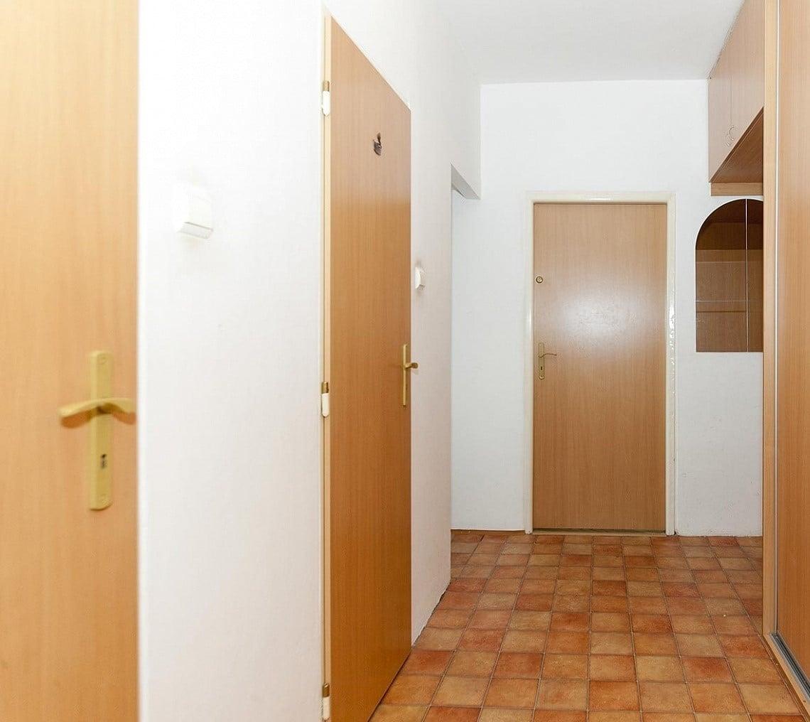 למכירה דירת 2+1 בפראג 6 54 מר (10)