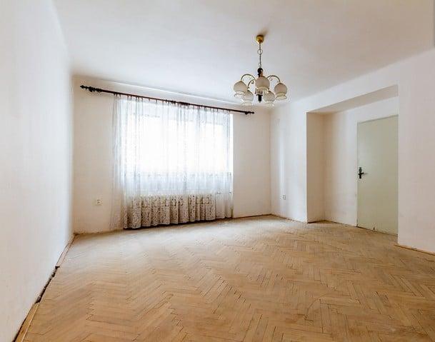 למכירה דירת 2+1 על 67 מר בשכונת ורשוביצה בפראג (2)