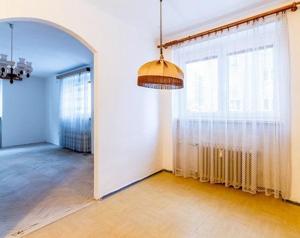 למכירה דירת 2+1 על 67 מר בשכונת ורשוביצה בפראג (6)