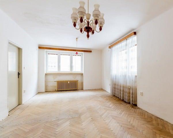 למכירה דירת 2+1 על 67 מר בשכונת ורשוביצה בפראג (8)