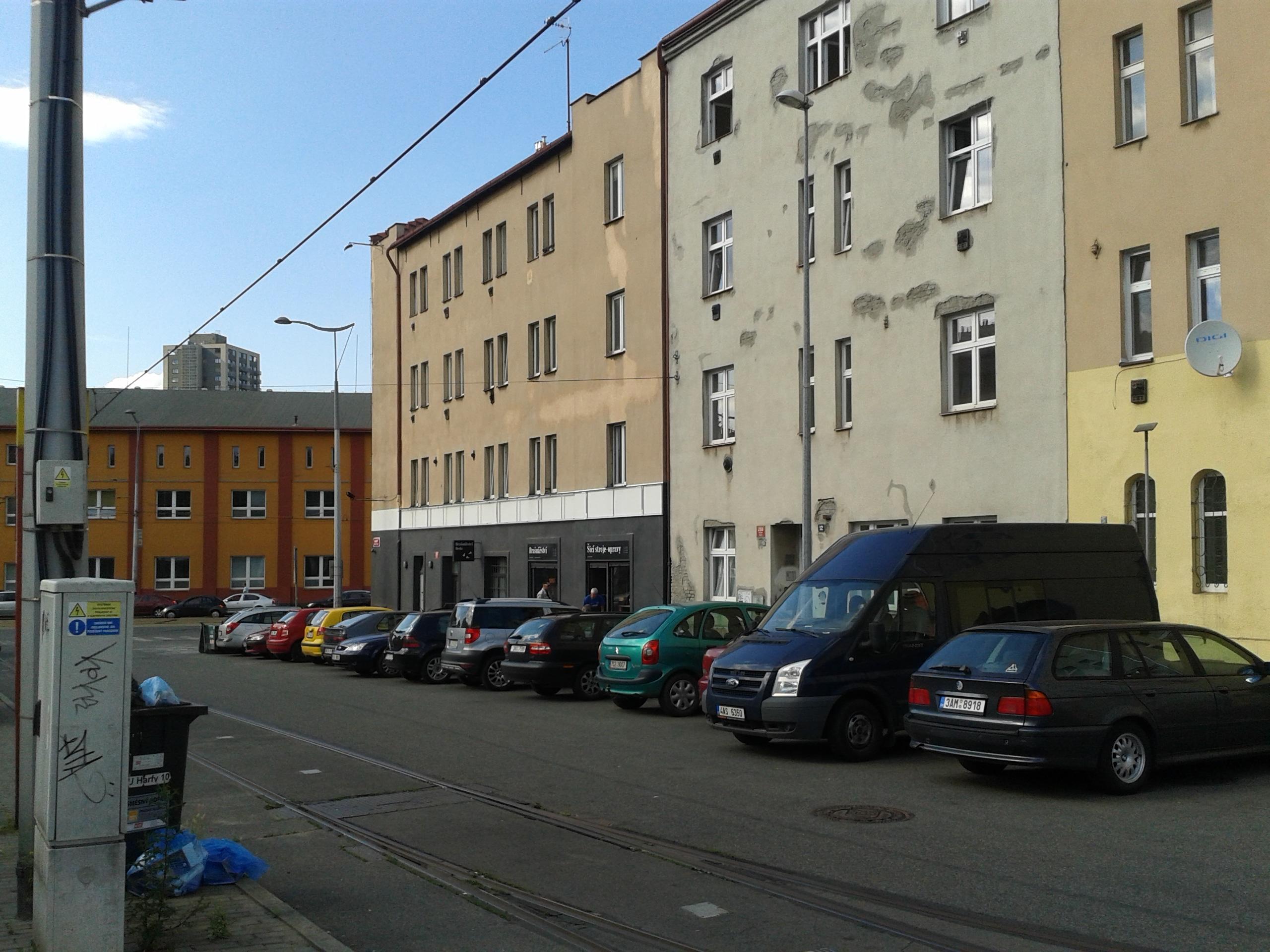 למכירה דירת 3 חדרים מודרנית בפראג (13)